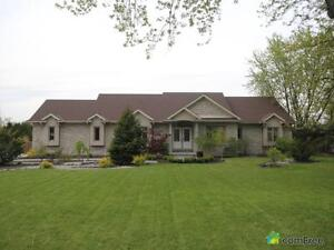 $640,000 - Bungalow for sale in Strathroy