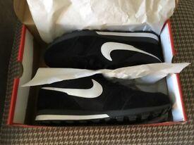 Men's Nike MD Runner 2 BNIB