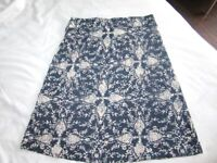 *~*~*~*~*~* New Eddie Bauer skirt, floral pattern, small size *~*~*~*~*