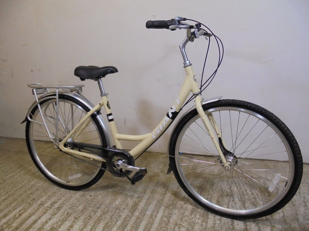 "Giant Expression N7 Ladies Dutch Style Hybrid Town Bike Alloy 17"" Sml/Med Very Low Used 7 Spd VVGC"