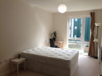 AMAZING DOUBLE ROOM ONLY 2 MIN WALK FROM COLINDALE STATION !!!