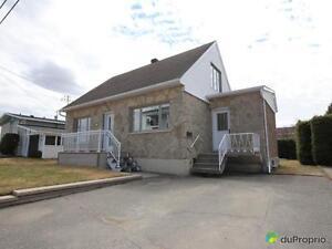 170 500$ - Maison à un étage et demi à vendre à Alma