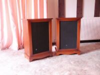 Pair of outer cabinets for speakers