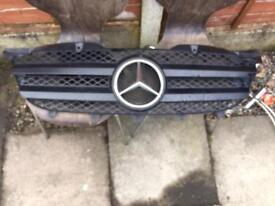 Mercedes sprinter 311 Front Main grill 2008