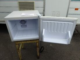 Mini Fridge, hardly used, mains, lightweight, suitable for parties, camping, small spaces.