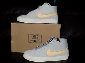 WOMENS NIKE TRAINERS FOR SALE ONLY £30!!!!