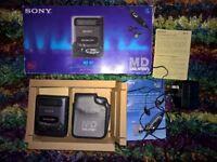 SONY MD Walkman MINIDISC MZ-R2 Portable Recorder + Case Boxed