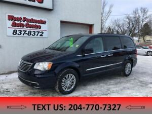 2016 Chrysler Town & Country Touring **Heated Leather / Power Su