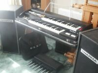electric organ / synthasizer elka x109 + 2x Sharma organ speaker