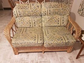 Wicker 4 piece conservetory or lounge chairs
