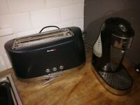 Breville One Hot Cup Kettle & 4 Slice Toaster