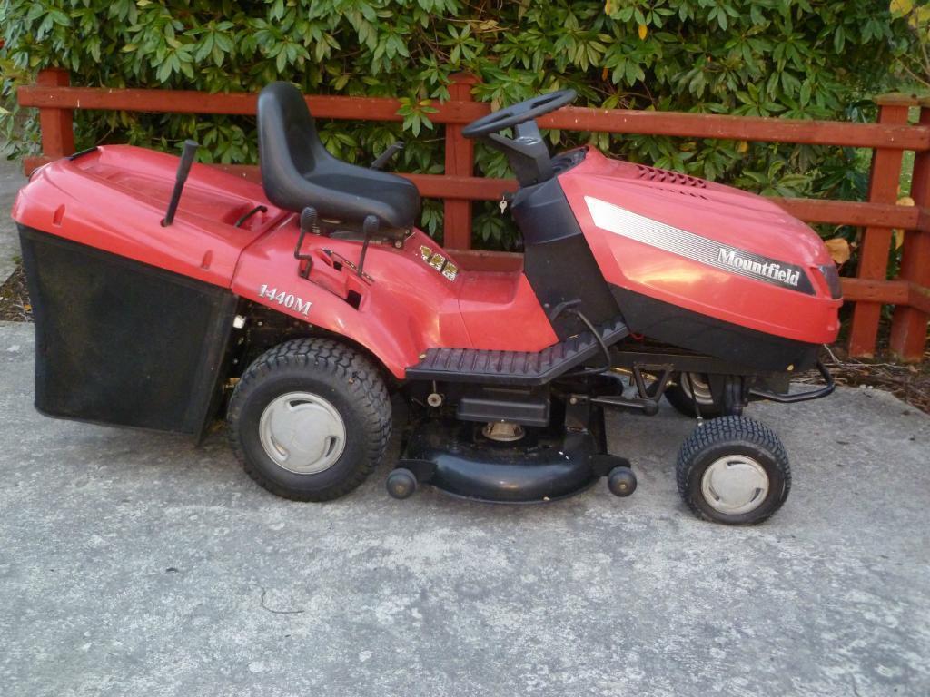 Kubota All Wheel Drive Lawn Mowers 36 Quot Cut : Mountfield m briggs stratton ride on lawn mower