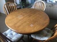 BARGIN! Extendable dining room table & chairs