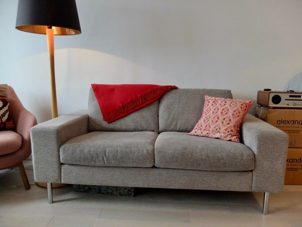 Bo Concept Indivi 2 Sofa In Light Grey Excellent Condition Two Three Seater