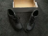 Steel toe cap boots size 5 excellent condition