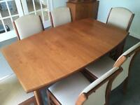 Extending team table and 6 chairs delivery poss