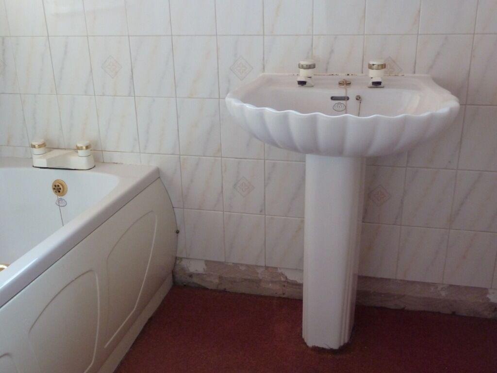 Bathroom Suites Manchester Spring Coral Bathroom Suite In Marple Manchester Gumtree