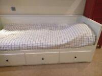 Ikea day bed HEMNES - Single frame expandable to double, with drawers - Barely used