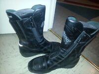 Joblot of motorcycle leather jackets furygan - Frank Thomas - gore tex - daytona boots