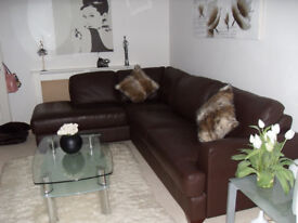 Brown Leather Corner Suite, Immaculate Condition.