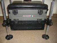 Avanti Seat box