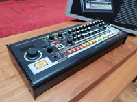 ROLAND TR 08 Like new! Mint condition! Manufacturers guarantee! £300 OVNO