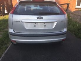 Ford Focus 07 silver boot