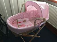 New Kinder Valley Moses basket with folding stand