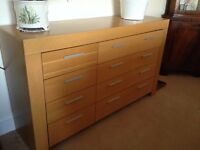 Chest of Drawers / Sideboard / Dresser; 8-draws 140x40x80h