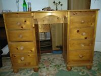 Wooden dressing table with 8 drawers 07773356785