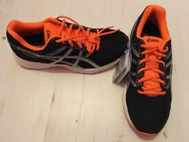 Asics new men trainers size 6