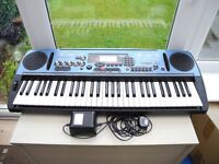 YAMAHA DJX DANCE MUSIC KEYBOARD SYNTHESIER WITH BUILT IN SAMPLER, EX CONDITION WITH POWER SUPPLY