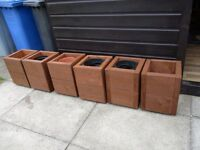 SOLID WOOD PLANTERS