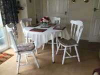White kitchen table/ 4 chairs