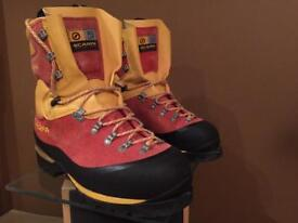 Mountaineering Scarpa boots