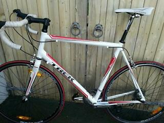 Mens Trek 1.2 Road bike