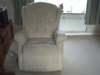 HOUSE CLEARANCE - VARIOUS ITEMS OF FURNITURE/WHITE GOODS