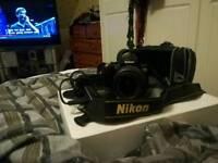 NIKON D60 Digital SLR Camera: Black (AF-S DX Nikkor 18 - 55 mm f/3.5 - 5.6G VR)