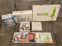 Huge Nintendo Wii console bundle & games