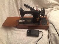Vintage electric singer sewing machine 99k excellent collection