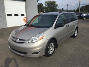 2009 Toyota Sienna CE, 8 passagers, Auto, Air clim, Freins avant