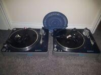 2 Stanton T.60 Turntables + Mixer
