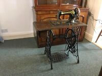 Antique Vintage Singer Sweing Machine and Table