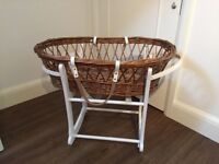 John Lewis Emile et Rose Moses Basket and Stand