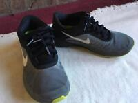 Nike ladies running trainers size 6 used good condition £6