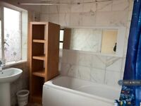 3 bedroom flat in Shenley Road, Borehamwood, WD6 (3 bed) (#1167701)