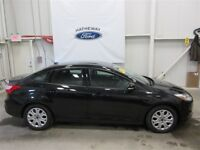 2014 Ford Focus SE, LIKE NEW WOW