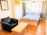 Spacious and light studio available to rent in Golders Green