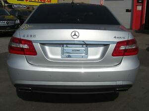 2010 Mercedes-Benz E-Class E350 4MATIC * Sunroof / Leather* London Ontario image 3
