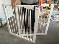Lindam extendable safety gate